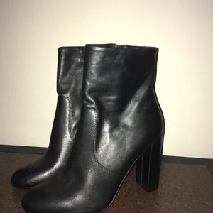 Steve Madden Editor Booties Size 7.5 Black Leather